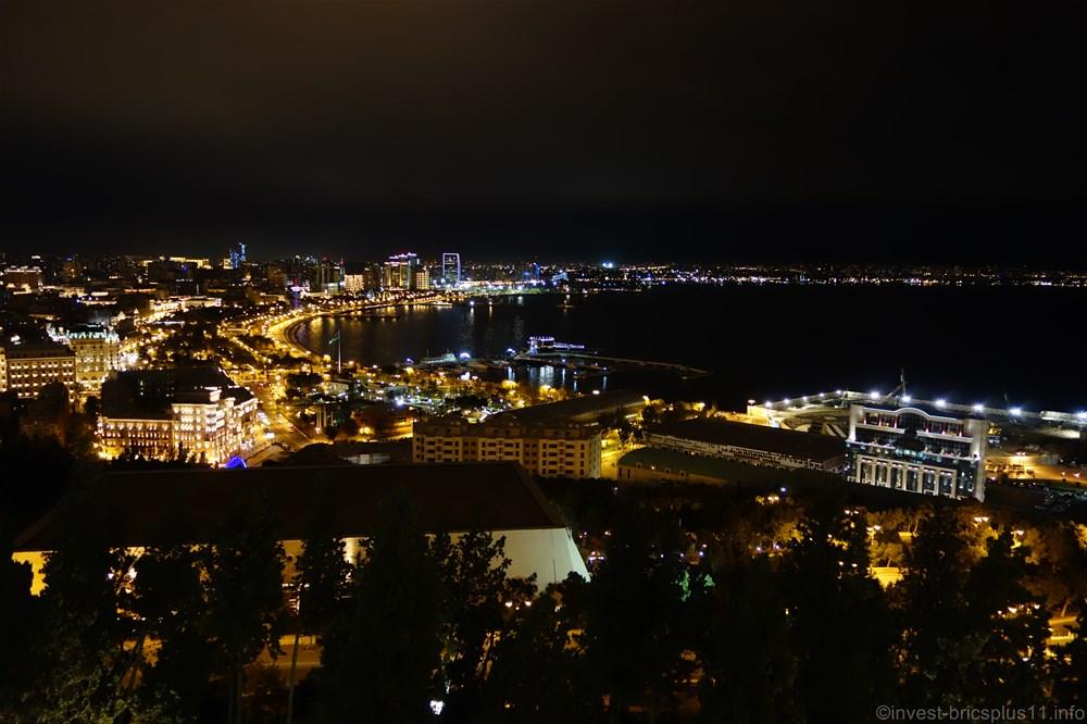 アゼルバイジャン カスピ海の夜景その2
